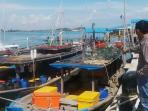 tiga-kapal-nelayan-lokal-yang-diamankan-polisi-perairan-polair-polda-kepri_20150411_093922.jpg