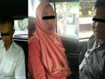 tiga-orang-yang-diamankan-tim-saber-pungli-pekanbaru_20170125_230112.jpg