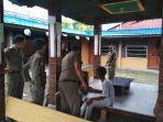 tiga-remaja-di-tanjungpinang-ditangkap-satpol-pp-karena-kedapatan-ngelem.jpg
