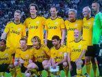 tim-amal-yang-diikuti-para-legenda-sepak-bola-dan-atlet-non-sepak-bola-di-laga-match-of-the-heart_20170603_103123.jpg