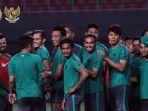 timnas-senior-indonesia-jalani-latihan_20171003_133508.jpg