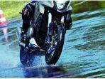 tips-berkendara-dengan-aman-saat-musim-hujan.jpg