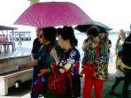 turis-china-yang-sedang-berada-di-pelabuhan_20161223_191815.jpg