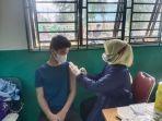 vaksinasi-corona-di-smpn-45-batam.jpg