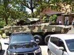 video-tank-baja-di-jalanan-di-malaysia-virla-di-medsos.jpg