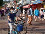 warga-hong-kong-terlihat-memakai-masker.jpg