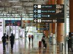 wisatawan-dan-pengunjung-di-terminal-3-bandara-changi-kamis-1932020.jpg