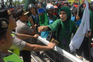 Mahasiswa : BP Batam Dinilai Arogan dalam Menaikan Tarif Air