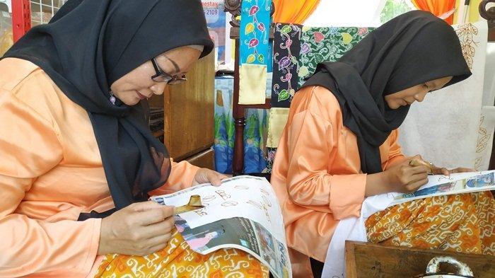 Lima Motif Batik Belitung Terpopuler, Ada Daun Simpor yang Dikenakan Putri Indonesia 2018