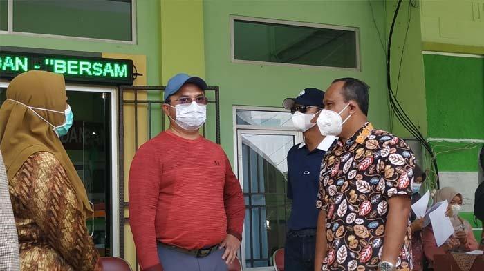 Jawab Kritik Gubernur, Kadinkes Belitung Percepat Vaksinasi Covid-19 Hingga Prioritaskan Lansia - 20210313_gubernur-erzaldi-tinjau-vaksinasi-di-puskesmas-tanjungpandan-02.jpg