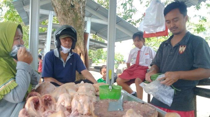 Saat Ramadhan, Pedagang Ayam Potong di Pasar Tradisional Belitung Sebut Kekurangan Stok