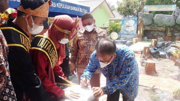 SMAN 2 Tanjungpandan Punya Taman Literasi, Dilengkapi Fasilitas yang Bikin Siswa Kenyamanan