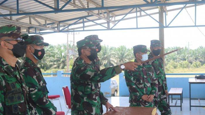 Terbang dengan Pesawat TNI AU Jenis CN-295 A-2901, Pangkoopsau I Kunjungi Lanud H AS Hanandjoeddin