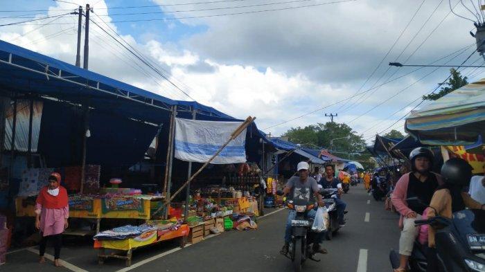 Jelang Lebaran Aktivitas Warga di Pasar Tradisional Semakin Padat, Ada yang Abaikan Prokes