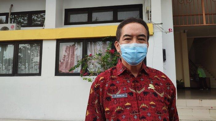 Warga ke Pasar Belitung Tidak Taati Prokes Diusir, Petugas Pasang Penyekat di Pasar dan Minimarket