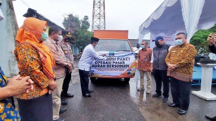 Ramlan Senang Ada Operasi Pasar Murah Bersubsidi dari Pemkab Belitung Timur