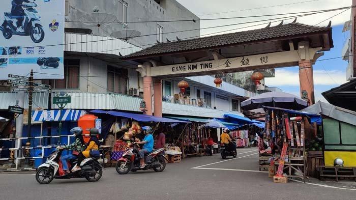 Penyekat di Pasar Tanjungpandan Tanpa Penjagaan, Masih Tampak Warga Tanpa Masker