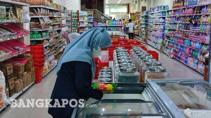 Loka POM Belitung Cek Swalayan Masih Temukan Makanan Kedaluwarsa