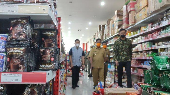 Bupati Belitung Ikut Loka POM Tinjau Swalayan Jelang Lebaran