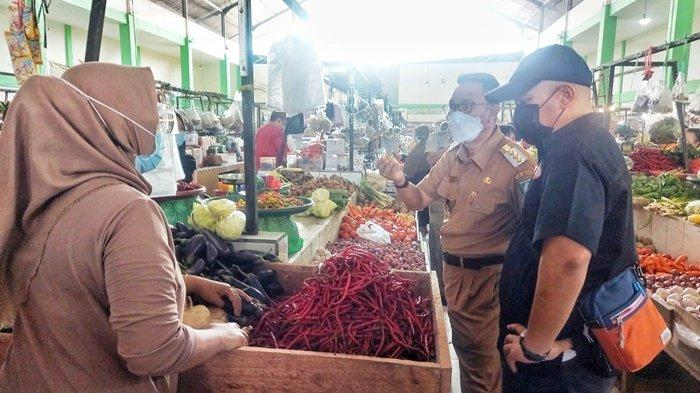 Jelang Idul Fitri 1442 H, Bupati dan Forkopimda Belitung Timur Tinjau Pasar Manggar dan Gantung