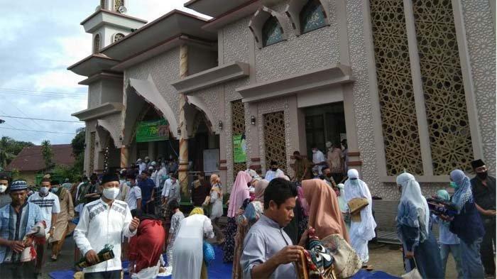 Bupati Belitung Sahani Saleh Pilih Salat Id di Masjid Nurul Huda