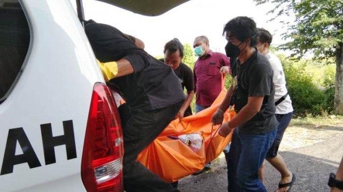 BREAKING NEWS - Jasad Laki-laki Baju Berdarah dan Mulut Berbusa Ditemukan di Area Eks SMK Swakarya