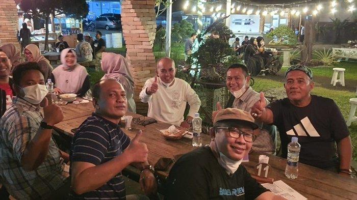 Nikmati Suasana Malam Di Belitung Molen Silaturahmi Ke KNPI Belitung