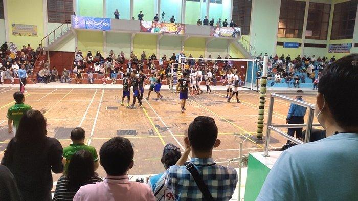 Suasana pertandingan final putra antara Basecamp vs Pingkong City, Selasa (8/6/2021) malam.