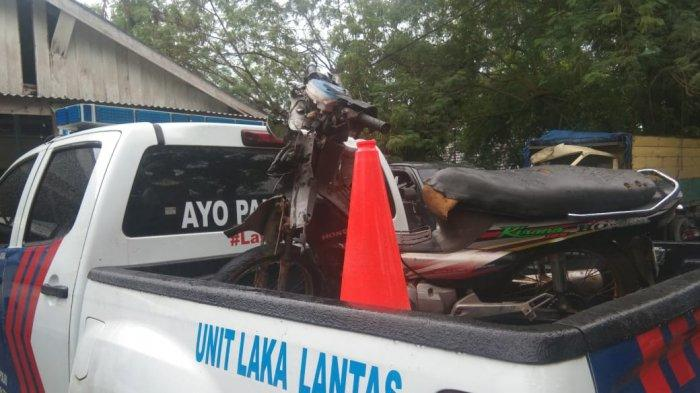 Viral di Medsos, Sopir Pikup Tabrak Pengendara Motor saat Hendak Putar Balik di Jalan Sijuk Belitung