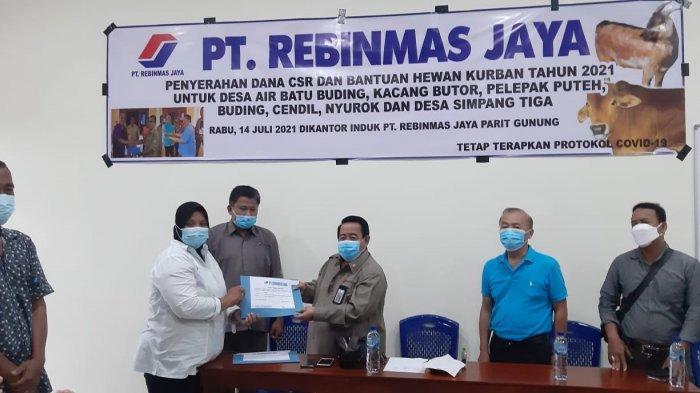 PT Rebinmas Jaya Salurkan CSR dan Hewan Kurban untuk Tujuh Desa