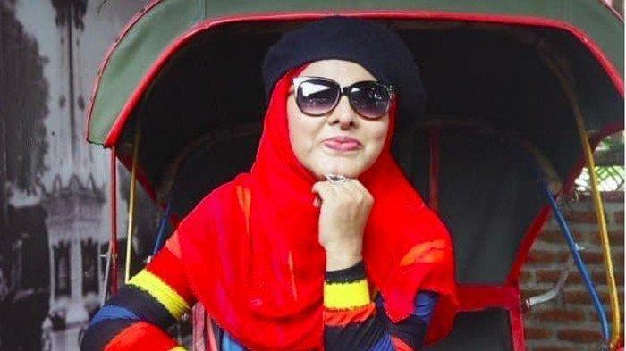 BIODATA Neneng Anjarwati, Penyanyi Dangdut Senior Tenar Lewat Lagu Teras Biru