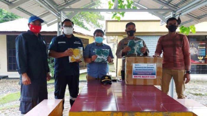 Ajak Masyarakat Disiplin Protokol Kesehatan, PT Timah Bagikan Ratusan Masker di Belitung Timur
