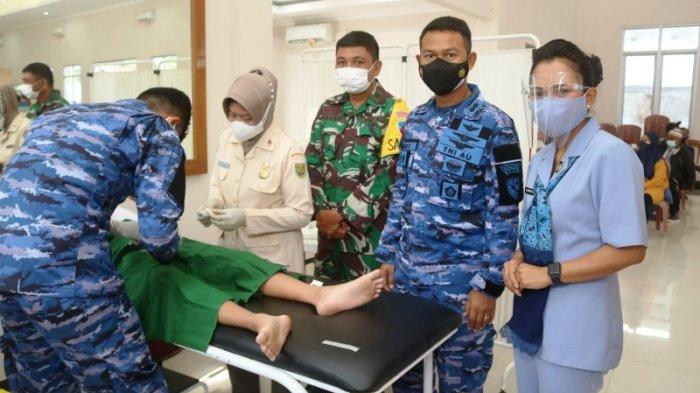 Peringati Hari Bakti TNI AU Ke-74, Lanud H AS Hanandjoeddin Gelar Sunatan Massal dan Donor Darah