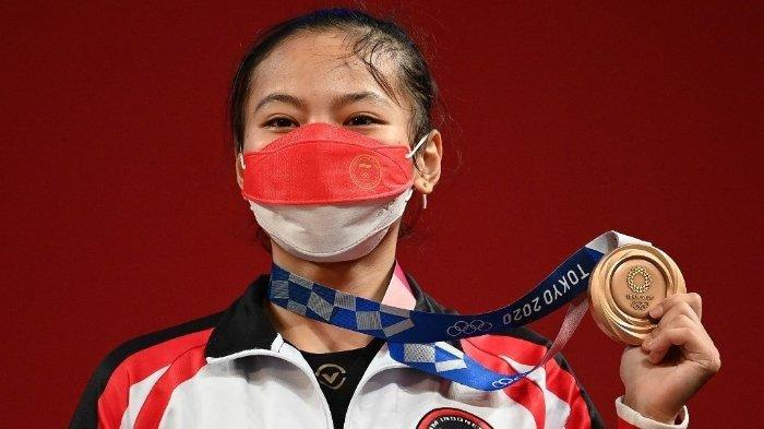 Peraih medali perunggu Windy Cantika Aisah dari Indonesia di Olimpiade Tokyo 2020