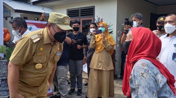 Erzaldi Pantau Penyaluran BST, Ingatkan Masyarakat Jangan Galau, 6901 KK Dapat Bantuan