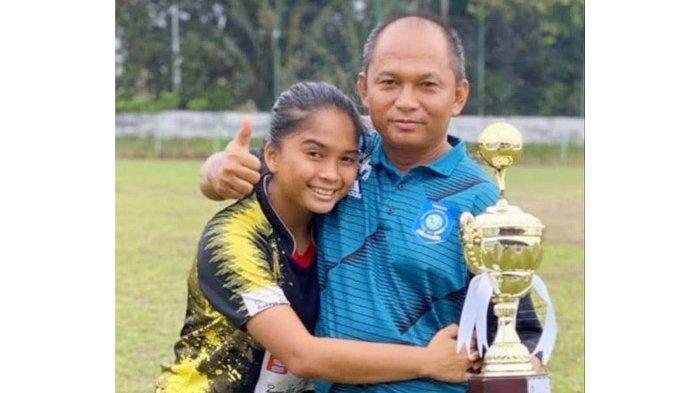 Bayern Munchen Panggil Ade Mustikiana, Pesepak Bola Putri Asal Cendil Belitung Timur