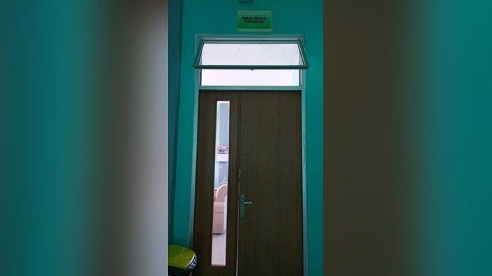 Ruangan yang dibobol maling di Puskesmas Kelapa Kampit, Rabu (28/7/2021).