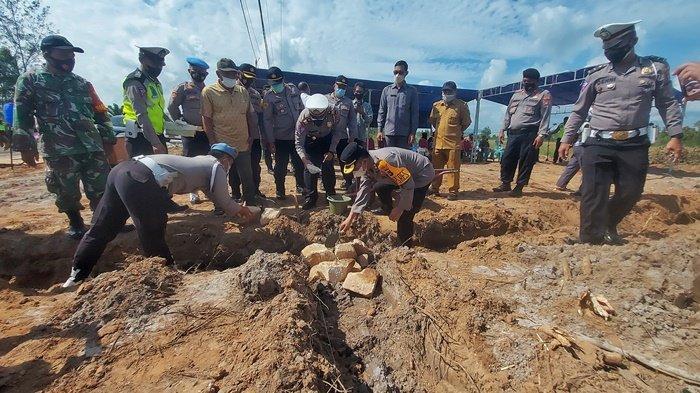 Upaya Kurangi Kecelakaan, Polres Belitung Timur Bangun Pos Lantas di Jalan Tengah Simpang Renggiang