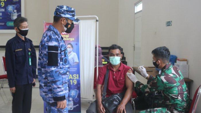 Gandeng Instansi Terkait, Lanud Hananjoeddin Suntikan Ribuan Vaksin kepada Masyarakat
