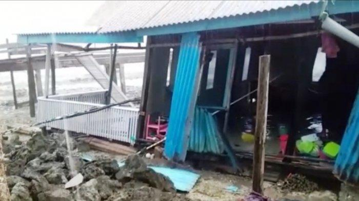 Hujan dan Angin Bikin Satu Rumah di Pulau Bukulimau Ambruk, BPBD Beltim Siapkan Bantuan