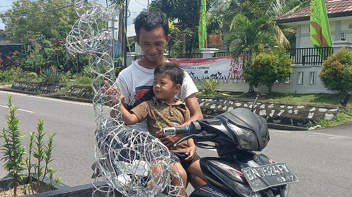 Puluhan Lampu Berbentuk Hewan Hiasi Taman Median Jalan Jendral Soedirman Belitung