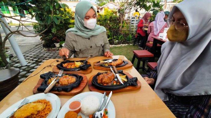 Ibu Rumah Tangga di Belitung Kembangkan Usaha dari Resep Keluarga, Menu Steak Nikmat Harga Merakyat