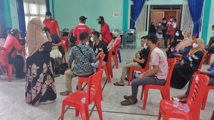 Dua Bulan Tunggu Vaksinasi Covid-19 di Belitung Timur, Akhirnya Ivan dapat Vaksin Berkat PDIP