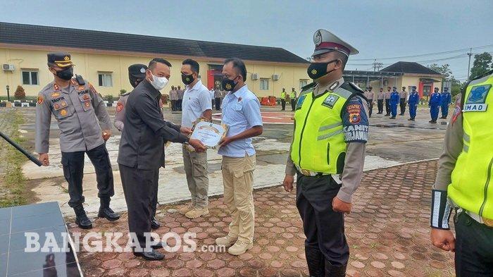 21 Anggota Satreskrim Polres Beltim Dapat Penghargaan dari Bupati Karena Ungkap Kasus Bobol ATM