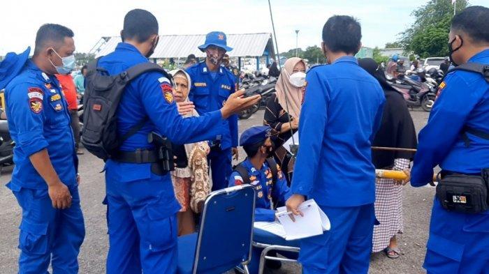 Vaksinasi Gratis dan Pembagian Sembako, Ratusan Masyarakat Serbu Pos Sat Polairud Polres Belitung