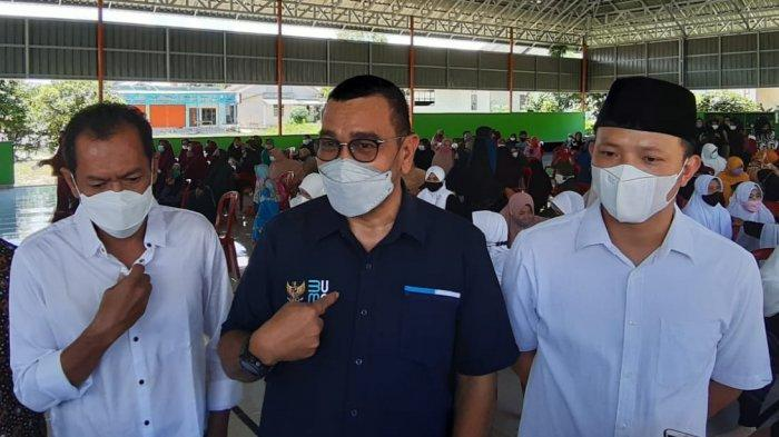 Garda Bernas Babel dan Kementrian BUMN Bagikan Bansos ke Masyarakat di Bangka Belitung
