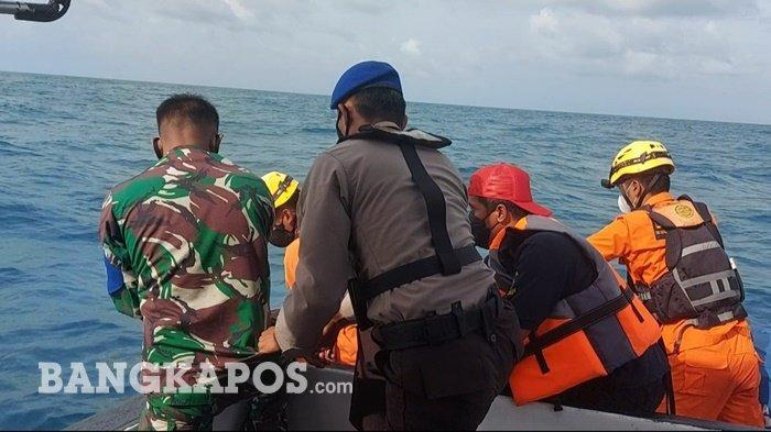 Evakuasi mayat tak dikenal oleh tim SAR gabungan, Rabu (29/9/2021).