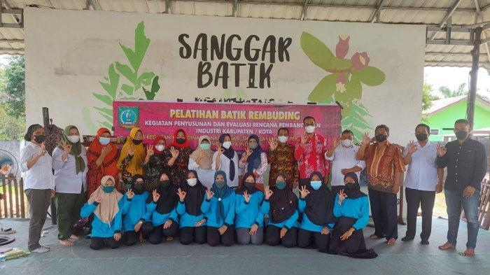DPMPTSPP Beltim Gandeng Dekranasda Adakan Kegiatan Pelatihan Batik Rembuding