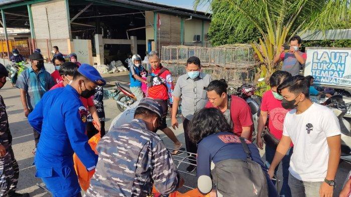 BREAKING NEWS: Heboh ! Wanita Berkaus Hijau Tenggelam di PPN Tanjungpandan