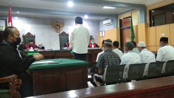 Perkara Ricuh Penertiban Tambang Ilegal Sijuk, JPU Tuntut 9 Terdakwa Tiga Bulan Penjara